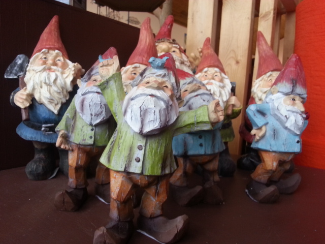 gnomes for gardens, garden gnomes, garden ornaments, buy gnomes online, jensen nursery and garden center