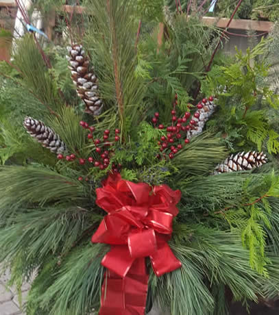 outdoor deluxe container, christmas containers, christmas urns, outdoor christmas decor, custom christmas containers, jensen nursery, christmas store